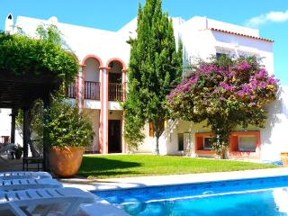Beautiful, central and comfortable family villa - Siesta vacation rentals