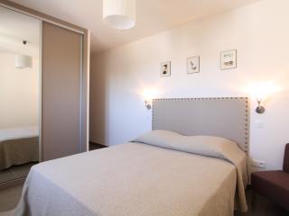 Cozy 2 bedroom Calvi Apartment with Internet Access - Calvi vacation rentals