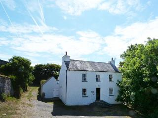 Ty'r Castell, Pembs, can walk to beach - 23040 - Mathry vacation rentals