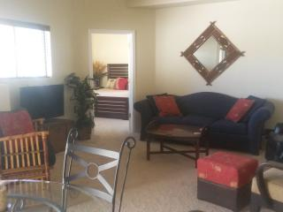 Ravenswood Patio Home - Seasonal (30 day min) - Phoenix vacation rentals