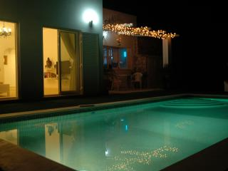 Charming 2 bedroom Loule Villa with Internet Access - Loule vacation rentals