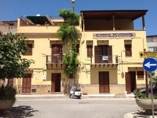 Casa Maria - low budget apt - Santa Flavia vacation rentals