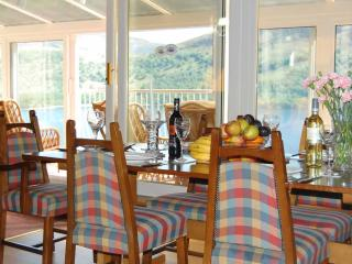 Nice 2 bedroom Kinloch Rannoch Lodge with Internet Access - Kinloch Rannoch vacation rentals