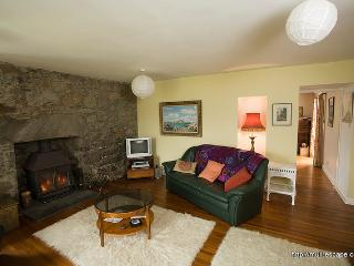 4 bedroom Farmhouse Barn with Internet Access in Pennyghael - Pennyghael vacation rentals