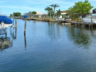 Pool Home on a canal 1 mile to the beach! - Bradenton vacation rentals