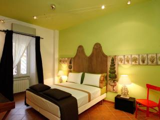 Colosseo - One-Bedroom Apartment with Balcony - Rome vacation rentals