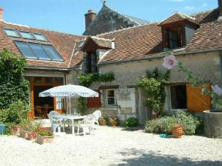Rural farm cott suit 2 couples/family n Chenonceau - Saint-Georges-sur-Cher vacation rentals