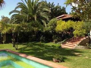 Cozy 2 bedroom Villa in Marina di Capitana with Deck - Marina di Capitana vacation rentals