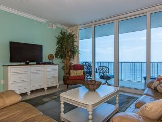 3 bedroom Apartment with Shared Outdoor Pool in Gulf Shores - Gulf Shores vacation rentals