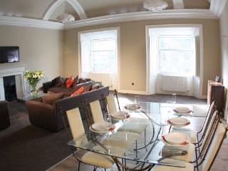 Georgian Townhouse Apartment - Edinburgh vacation rentals