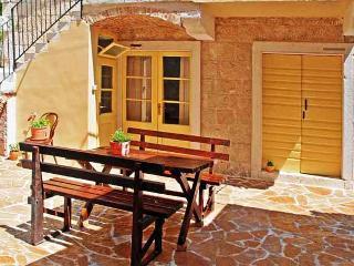 Gorgeous 4 bedroom Villa in Vis - Vis vacation rentals