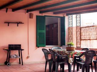 Cheap and Chic! Sleeps 9 in Rome! - Rome vacation rentals