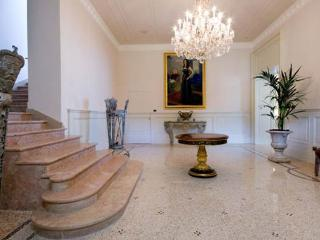 Beautiful Villa with DVD Player and Fax Machine - Bellagio vacation rentals