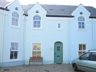 Wonderful 3 bedroom Portballintrae Townhouse with Internet Access - Portballintrae vacation rentals