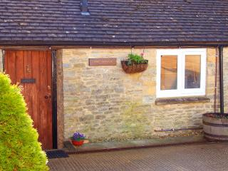 Wonderful Barn with Television and Microwave - Shipton under Wychwood vacation rentals