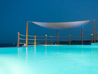 'WatersEdge 4 Bedroom' - Marsascala vacation rentals
