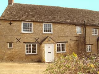 Nice Farmhouse Barn with Internet Access and Satellite Or Cable TV - Shipton under Wychwood vacation rentals