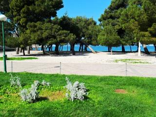 Holiday Apartment Directly on the beach A4 - Makarska vacation rentals
