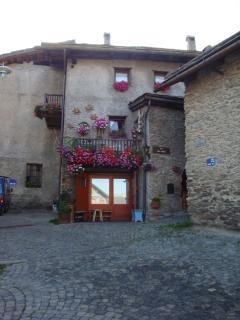 Charming Condo in Salice D'Ulzio with Short Breaks Allowed, sleeps 4 - Salice D'Ulzio vacation rentals