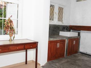 Lavinia Lodge-2 Bed Apartment (Near the Beach) - Mount Lavinia vacation rentals