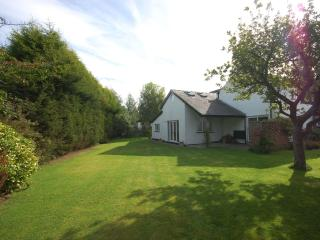 2 bedroom Cottage with Internet Access in Bramhall - Bramhall vacation rentals