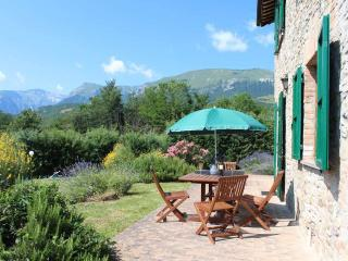 Villa Gelso with Cottage, Pool and beautiful View - Amandola vacation rentals