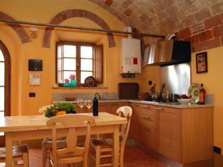2 bedroom Condo with Internet Access in Ponteginori - Ponteginori vacation rentals