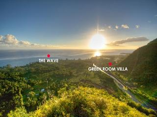 Perfect House with Deck and Internet Access - Teahupoo vacation rentals
