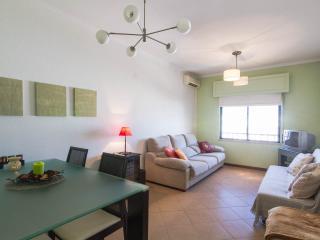 Nice 2 bedroom Apartment in Fuzeta with Internet Access - Fuzeta vacation rentals