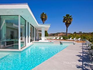 Hollywood Modern View Villa - Piedra vacation rentals