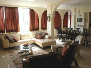 Centrally located, modernally desinged-hotel area - Israel vacation rentals