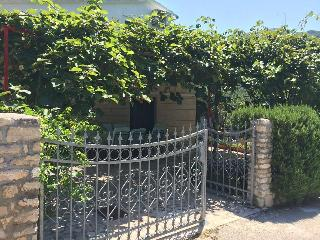 5 bedroom House with Internet Access in Grebastica - Grebastica vacation rentals