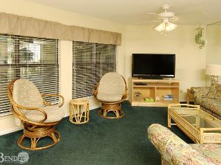 Sandpiper 11B ~ Enjoy Gulf Breezes Through the Palms ~Bender Vacation Rentals - Gulf Shores vacation rentals
