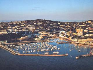 Great location by harbour - 2 bed (9) - Torquay vacation rentals