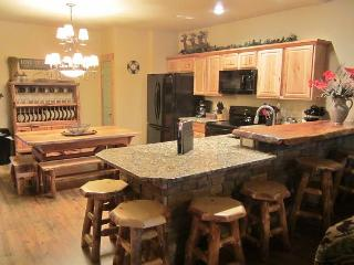 *3 BR, 2 Bath Lodge Cabin on Table Rock Lake with Dock Access - Hollister vacation rentals