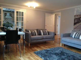 Two Bedroom Serviced Apartment (2) - Glasgow vacation rentals
