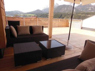 Beautiful Penthouse with Internet Access and Central Heating - Haus vacation rentals