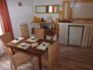 Cozy 1 bedroom Sisteron Townhouse with Washing Machine - Sisteron vacation rentals