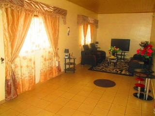 Beautiful 2 bedroom Villa in Yaounde - Yaounde vacation rentals