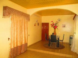 Beautiful 2 bedroom Vacation Rental in Yaounde - Yaounde vacation rentals