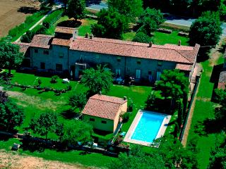 10 bedroom Farmhouse Barn with Internet Access in San Pietro a Cegliolo - San Pietro a Cegliolo vacation rentals