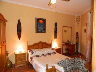 Lovely Guest house with Internet Access and Short Breaks Allowed - Cuevas De San Marcos vacation rentals