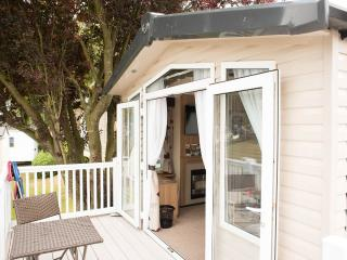 4 The Birches, Rockley Park, Poole, Dorset - Poole vacation rentals