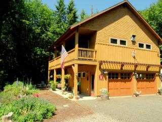 Chimacum Ridge Lodge - Olympic Mountains Views - Port Townsend vacation rentals