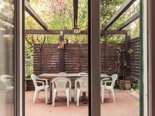 COSY APARTMENT WITH GARDEN - Bologna vacation rentals