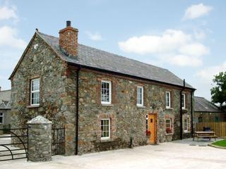 Cozy 3 bedroom Banbridge Cottage with Internet Access - Banbridge vacation rentals