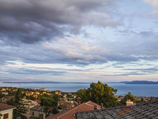 KASTAV OLD TOWN, 80m2+25m2terrace - Rijeka vacation rentals