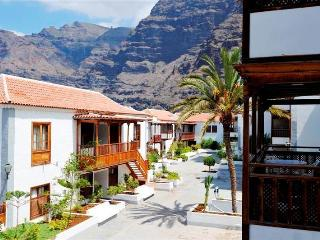 Romantic 1 bedroom Condo in Santiago del Teide - Santiago del Teide vacation rentals
