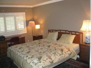 Be my guest in my guest room and private bath - Pasadena vacation rentals