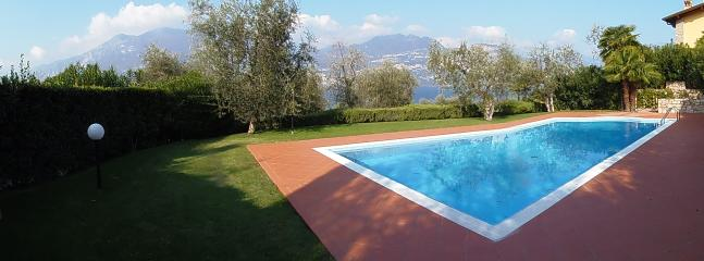 Convenient Apartment in Castelletto di Brenzone with Dishwasher, sleeps 5 - Castelletto di Brenzone vacation rentals